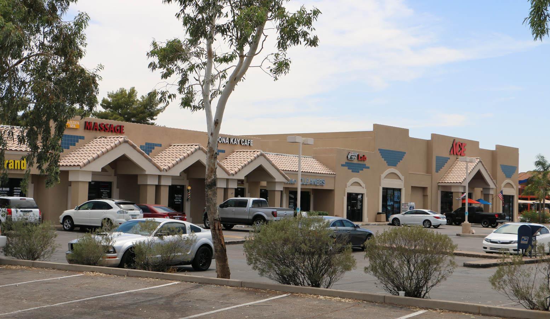 Via Linda Crossroads retail shopping center